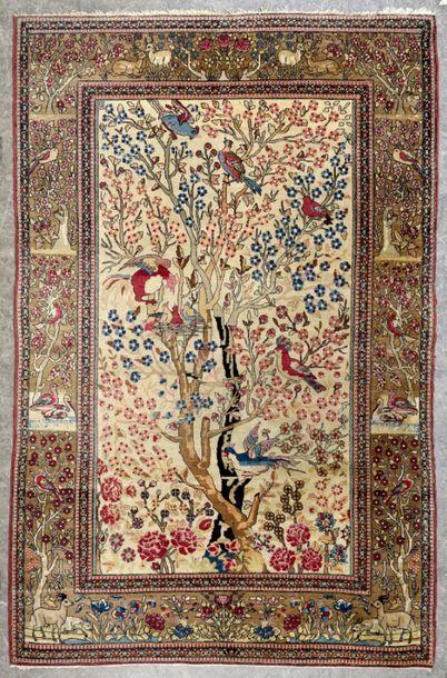ISPAHAN - Perse Tapis en laine à décor de...