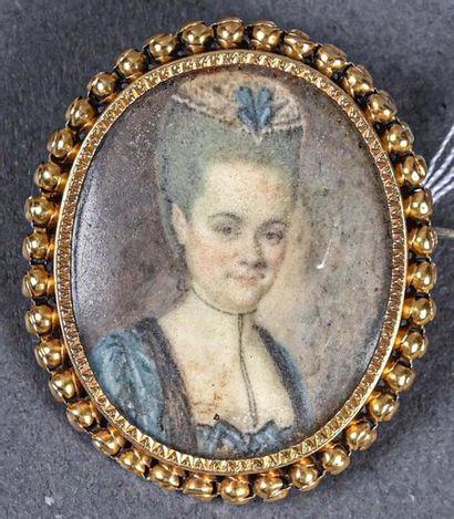 ** Miniature ovale sur ivoire, portrait de...