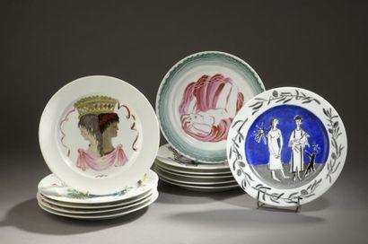 CHRISTOFLE Suite de douze assiettes en porcelaine...