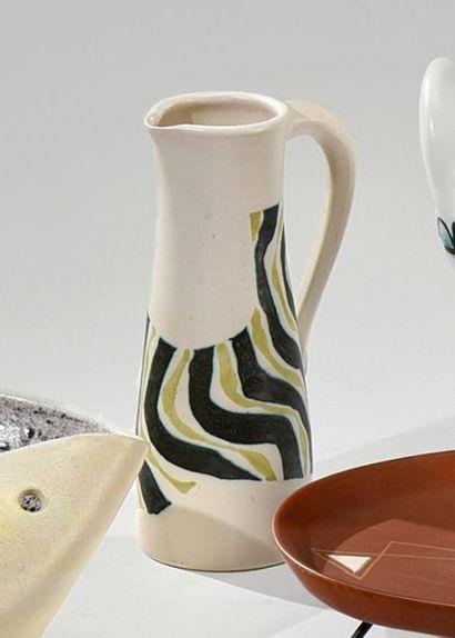 Robert DEBLANDER (1924-2010) Pichet en céramique...
