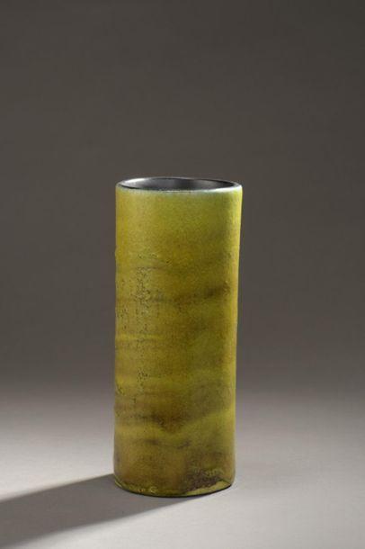 Georges JOUVE (1910-1964) Vase rouleau en...