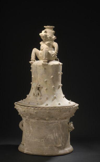 Encensoir à couvercle surmonté d'une divinité hermaphrodite  Culture Guanacaste,...