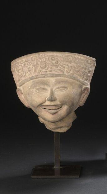 Belle tête souriante  Culture Veracruz, Côte...