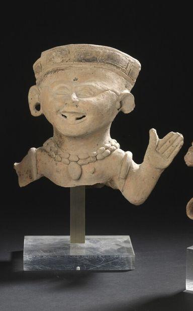 """Torse d'une statuette de type """"souriant""""  Culture Veracruz, Côte du Golfe, Mexique..."""