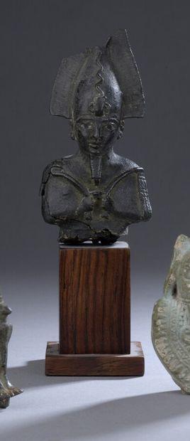 Buste de statuette d'Osiris, portant le sceptre...