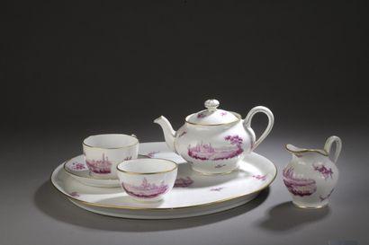 PARIS  Partie de service à thé en porcelaine...