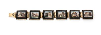 Bracelet articulé en métal doré composé de six maillons chacun décoré de micro mosaïques...