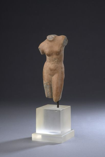Torse féminin d'Aphrodite Anadyomène  Terre-cuite...