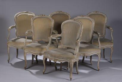 Suite de six fauteuils à dossier en cabriolet...