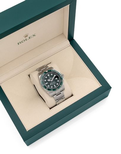 *ROLEX  Submariner dit « Hulk », réf. 16610, n° K47027K.  Montre bracelet en acier....