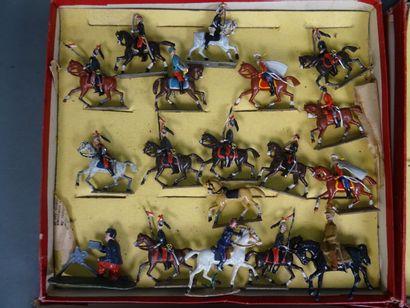 Cinq coffrets Soldats CBG série 520 dont Cuirassiers, Dragons, Hussards  Etat d...