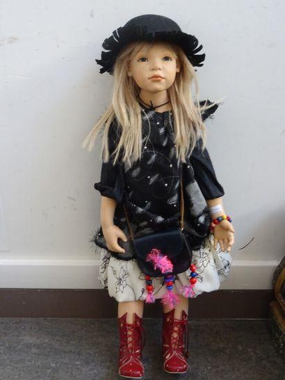 Belle et grande poupée d'artiste Zawieruszynski,...