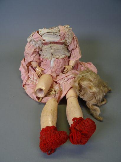 Corps de poupée ancienne en composition articulé...