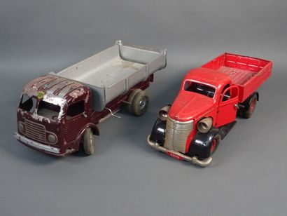Lot of sheet metal vehicles including: a...