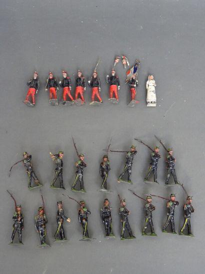 Important lot de soldats de plomb (environ 200 pièces) toutes marques (dont nombreux...