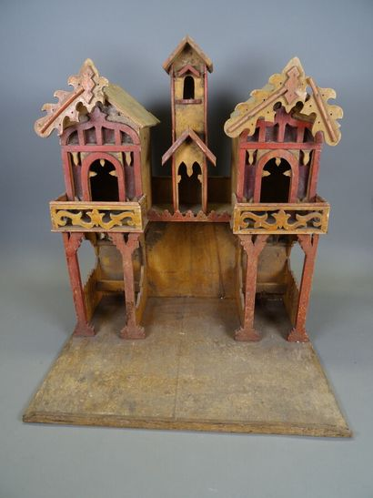 Important wooden house, handmade  Height 57,5 cm, width 51 cm, depth 40 cm  Accidents...