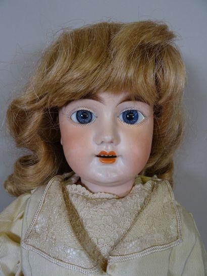Poupée allemande marquée 1894 ? taille 8, tête biscuit, perruque blonde rapportée...