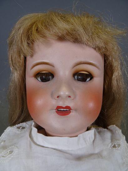 Poupée tête en biscuit Unis France 301, yeux en verre marron dormeurs, perruque...
