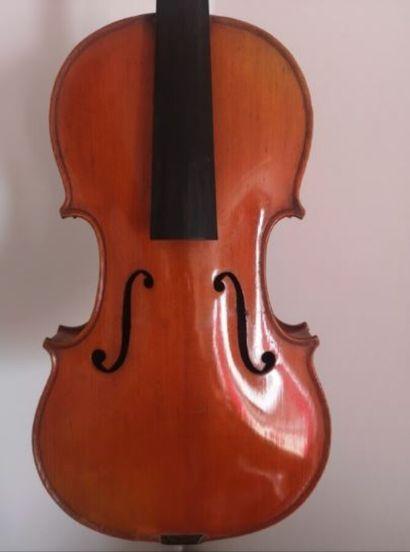 Violon fait à Mirecourt vers 1920, en modèle...