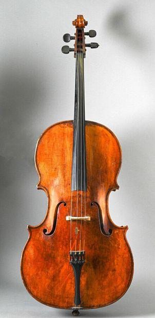 Violoncelle fait par Nicolas Ainé dont il...