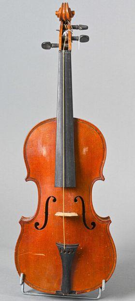 Joli violon 3/4 fait à Mirecourt vers 1900,...