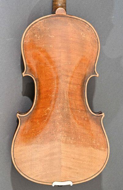 Violon allemand fait vers 1900, portant une étiquette apocryphe Lutherie artistique...