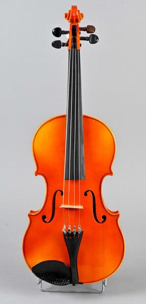 Violon alto révisé par Robert Coné. Europe...