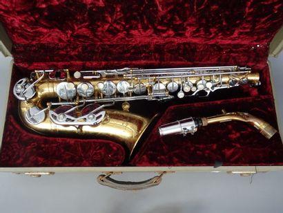 Saxophone Alto Antoine Courtois, n° de série...