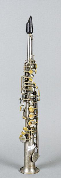 Rare saxophone sopranino fait vers 1900,...