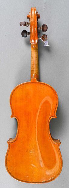 Violon demi médio fino fait à Mirecourt vers 1900. Fond une pièce 301 mm