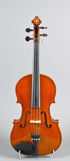Violon alto 3/4 de fabrication contemporaine....