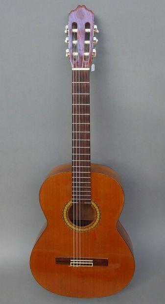Guitare classique CUENCA modèle 40 année...