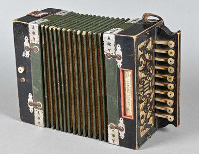 Petit accordéon diatonique de François DEDENIS...