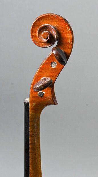 Violon 3/4 de JTL fait en copie de Stradivarius. Fond deux pièces 330 mm  Vers 1920...