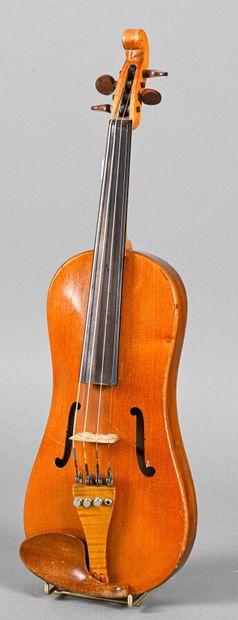 Violon demi forme vièle, de A. Jacot fait...