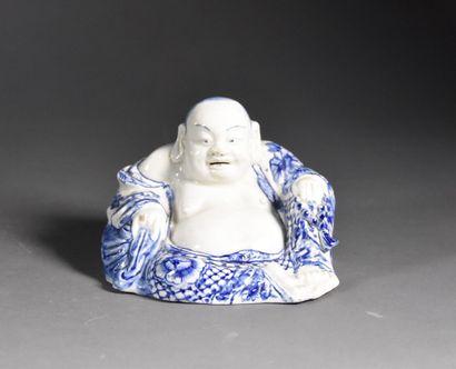 VIETNAM - Vers 1900  Hotei en porcelaine...