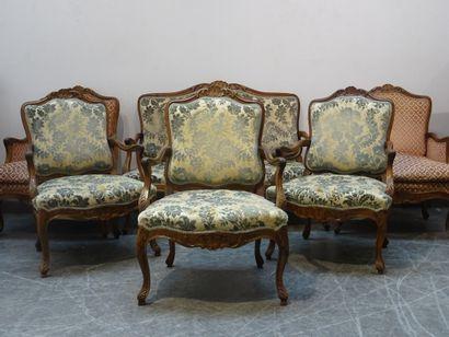 Mobilier de salon composé d'un canapé et trois fauteuils à dossier plat, garniture...