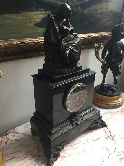 Pendule base en marbre noir, le cadran signé Lagoutte à Chalon sur saone  H. 60...