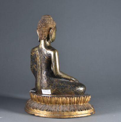 THAILANDE - Fin du XIXe siècle  Grand Bouddha assis en position de méditation, sujet...