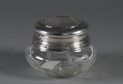 Boîte à poudre en cristal taillé de rameaux...