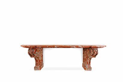 Très grande console en marbre rouge du Languedoc mouluré et sculpté, le plateau à...