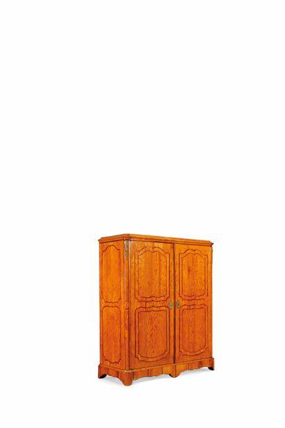 Armoire à deux portes