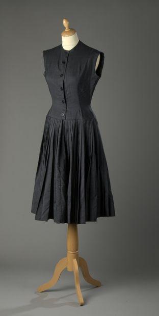 ANONYME haute couture, circa 1950  Robe en...