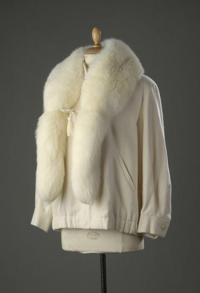 GIVENCHY Haute Couture  Ensemble comprenant...