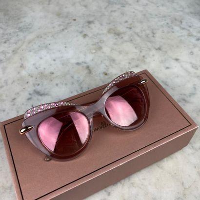 POMELLATO  Paire de lunettes de soleil papillon...