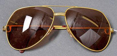 CARTIER  Paire de lunettes de soleil aviator,...