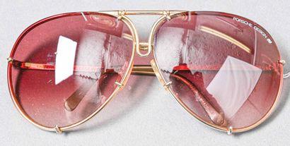 PORSCHE Design  Paire de lunettes de soleil,...