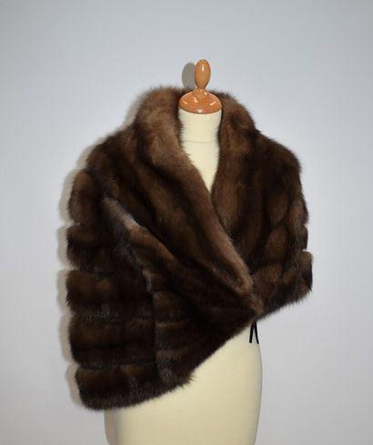 HANAE MORI Couture  Cape courte asymétrique...