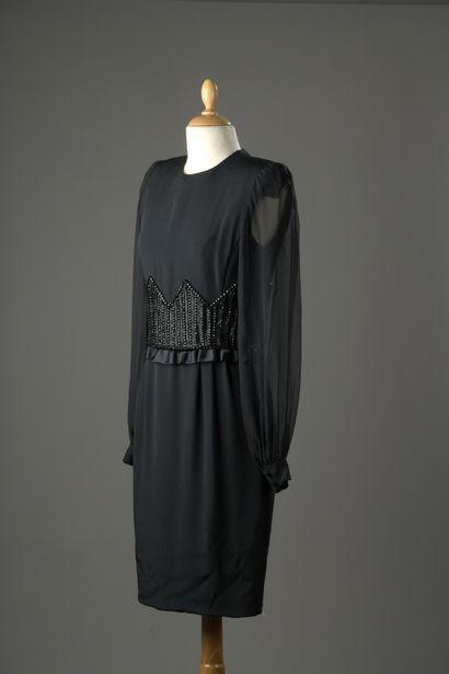 ANDRE LAUG  Robe du soir en jersey noir à...