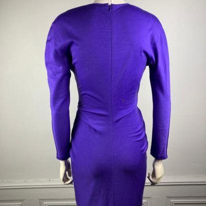 CHRISTIAN DIOR  Robe courte en jersey de laine violet, profond décolleté plissé...